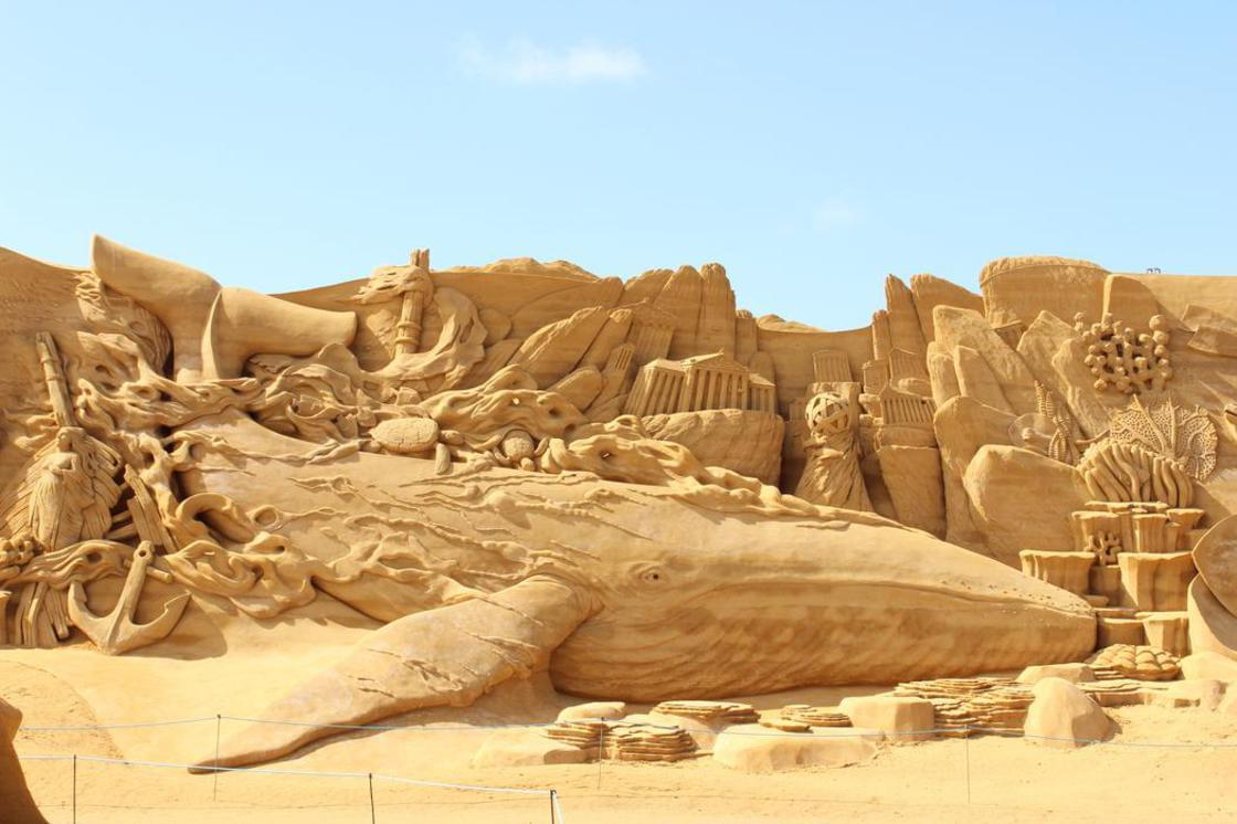 Some impressive sand sculptures in tribute to the aquatic life