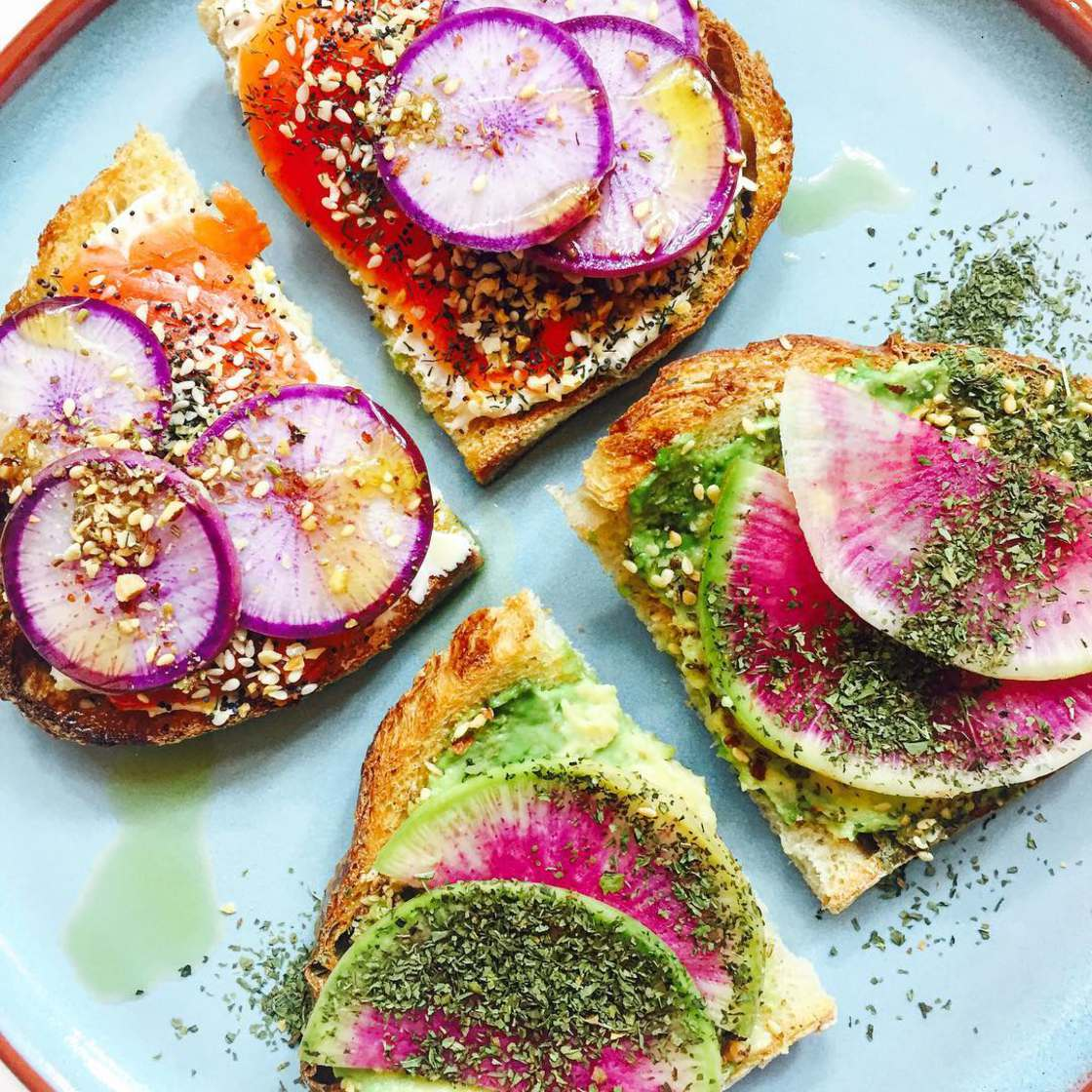 Unicorn Toast – Creating natural and ultra-colorful toasts