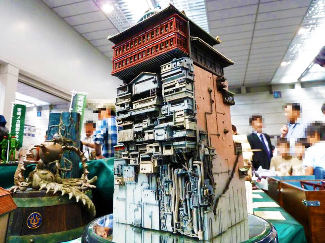 Spirited Away – A Miyazaki fan recreated the bathing house with an impressive model