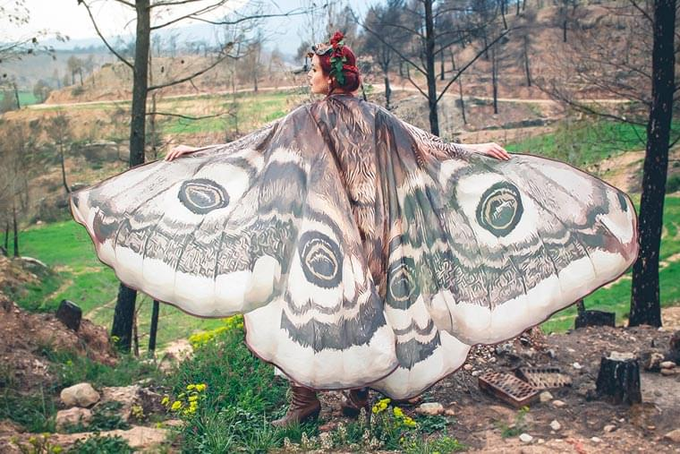 Butterfly Wings – These poetic scarves turn into beautiful butterfly wings