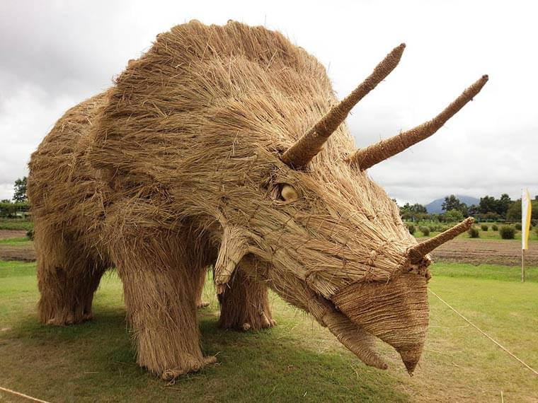 Japan – The amazing dinosaurs made of rice straw from the Wara Art Festival