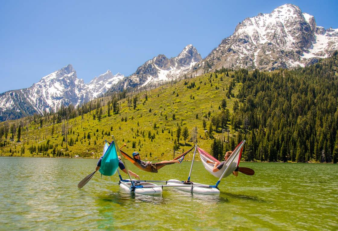 Hammocraft – Turn your paddles and canoes into floating hammocks
